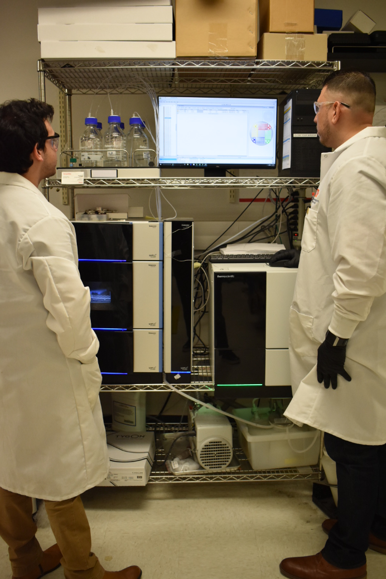 CIDD staff analyze reaction mixtures using a Thermo Fisher Scientific Vanquish UHPLC/MS.